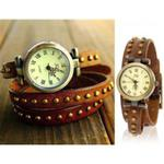 Stylowy zegarek analogowy potrójna skórzana bransoleta z nitami (brązowa) w sklepie internetowym Fantaste