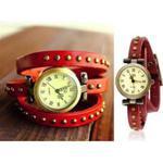 Stylowy zegarek analogowy potrójna skórzana bransoleta z nitami (czerwona) w sklepie internetowym Fantaste