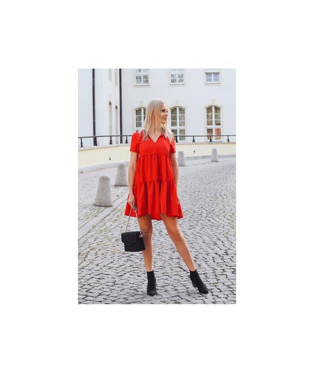 0cdcb7537a Oversizowa sukienka Pola z falbankami - czerwona 214-CZERWONY 214-CZERWONY