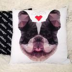 Poduszka dekoracyjna z buldogiem francuskim, I love French Bulldog Geo Grubcio w sklepie internetowym Psiakrew.pl