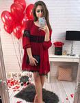 Sukienka Azaleta czerwona z koronką i falbaną (ey0166) - Czerwony w sklepie internetowym Dstreet.pl