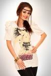 3329-3 Tunika z marszczonym rękawkiem i ozdobną aplikacją z przodu - biały w sklepie internetowym LadyStyle