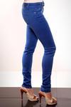 3615-2 Kolorowe rurki jeansowe + pasek  chabrowy w sklepie internetowym LadyStyle