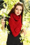 3935-1 Wełniany komin z kwiatkiem - czerwony w sklepie internetowym LadyStyle