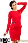 CM0330 Sukienka ołówkowa z baskinką i zameczkami - czerwona w sklepie internetowym Cudmoda