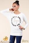 CM0362 Bluza damska z nadrukiem i złotymi ćwiekami - ecru w sklepie internetowym Cudmoda