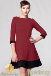CM0613 AWAMA S19 Dwukolorowa sukienka rozkloszowana z rękawem 3/4 - bordowa w sklepie internetowym Cudmoda
