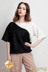 CM0947 LANTI BLU114 Bluzka damska dwukolorowa z kimonowym krótkim rękawem - czarna w sklepie internetowym Cudmoda