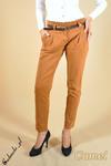 CM0043 Spodnie chinosy z paskiem - kamelowe w sklepie internetowym Cudmoda