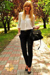 CM0156 Spodnie damskie ze złotymi ćwiekami - czarne w sklepie internetowym Cudmoda