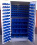 77157186 Szafa z plastikowymi pojemnikami, 164 sztuk (wymiary: 2000x970x440 mm) w sklepie internetowym Szalonymax.pl