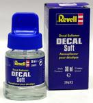 Revell Decal Soft płyn służący do zmiękczania i odklejania kalkomanii w celu zmiany ich położenia na modelu w sklepie internetowym ksiegarnia-marki.pl