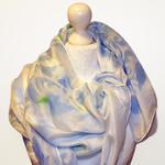 Obszerny jedwabny szal ręcznie malowany w sklepie internetowym Artillo