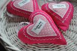 Serduszka zawieszki różowe dla babci w sklepie internetowym Artillo