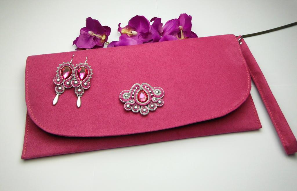 8bcb1189580ed Biżuteria wizytowa sutasz kopertówka fuksja w sklepie internetowym Artillo.  Powiększ zdjęcie