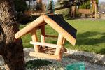Drewniany karmnik dla ptaków kryty papą – z zawieszką T0015.P w sklepie internetowym Rolmarket.pl