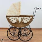 Duży, wiklinowy wózek stylowy na dużych kołach 77593 w sklepie internetowym Artseries.pl